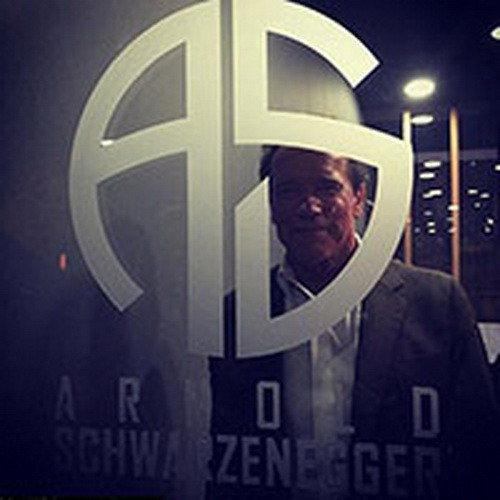 Арнольд Шварценеггер выпустил наручные часы под собственным брендом