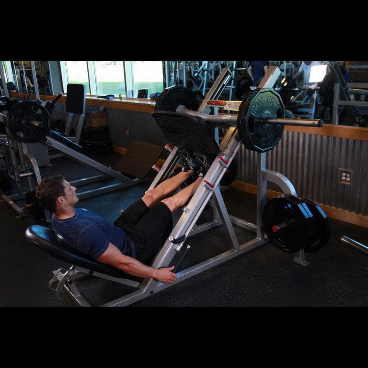 Подъем носков в тренажере для жима ногами