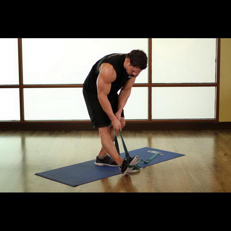 Растяжка икроножной и подколенного сухожилия стоя