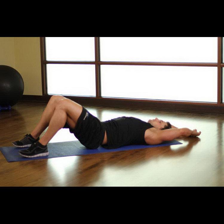 Растяжка мышц нижней части спины в положении лежа (мост)